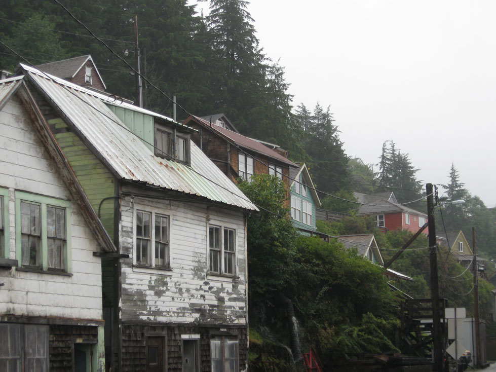 Ketchikan homes on the hillside (click for a larger wallpaper version)
